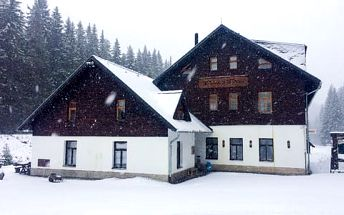 Silvestr či aktivní horská dovolená na Šumavě s polopenzí a lahví vína na pokoji v penzionu Panský dům na Kvildě, platnost až do 30. 9. 2017