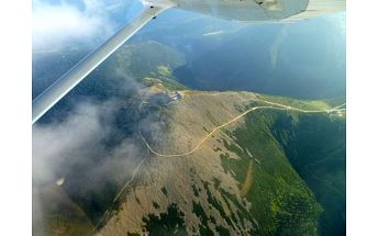 Vyhlídkový let letadlem pro 1 osobu na 20-60 min. Různé trasy na výběr a možnost pilotování