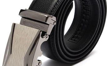 Pánský černý pásek s elegantní přezkou