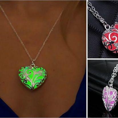 Magický náhrdelník se svítícím přívěskem Heart
