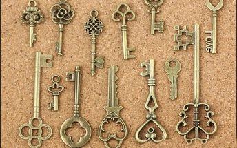49 přívěsků ve tvaru klíčů - dodání do 2 dnů