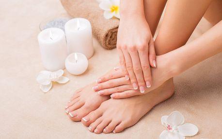 Příjemná masáž a profi péče o nehty s lakováním