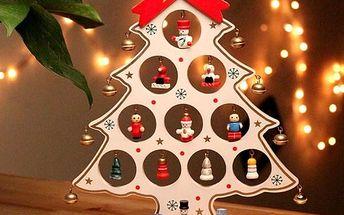 Dřevěná vánoční dekorace s hračkami - 27 cm