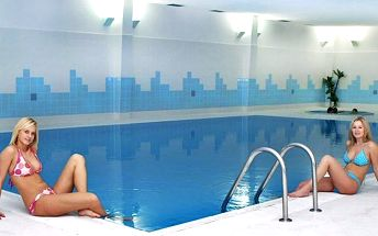 Relax blízko Prahy - neomezený bazén a polopenze