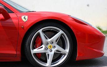 Provětrejte luxusní sportovní vozy na okruhu