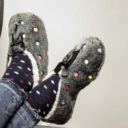 Termo bavlněné papučky v 12 barevných provedeních, které vás rozveselí a zahřejí každý den