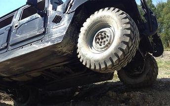 Hummer H1 nebo Monster Truck na 30 či 60 min. na offroad dráze + v H1 spolujezdec zdarma
