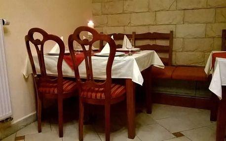 Šťavnatá kuřecí křidélka 1,2 kg, barbecue omáčka a obloha - restaurace Caesar, Praha!