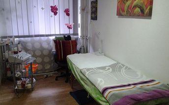 60min. luxusní kosmetické ošetření s masáží obličeje a dekoltu arganovým olejem na Praze 5