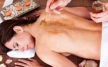 Medová detoxikační masáž včetně peelingu