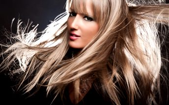 Kadeřnický balíček pro všechny délky vlasů. Mytí, střih konečků, foukaná + barvení či ombré hair.