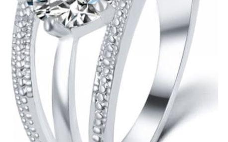 Dámský prsten s výrazným kamínkem - 2 barvy