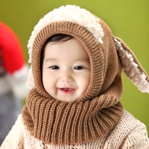 Hřejivá zimní dětská kukla ovečka. Ouška, krček budou krásně zabalené. Plní funkci čepice i šály.