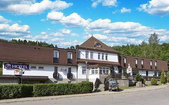 3–8denní pobyt s polopenzí a bazénem v hotelu Prom*** v Krkonoších pro dvě osoby