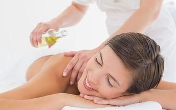 Masáž dle výběru na 45 nebo 60 min. - aroma, ruční lymfatická, havajská i Breussova masáž