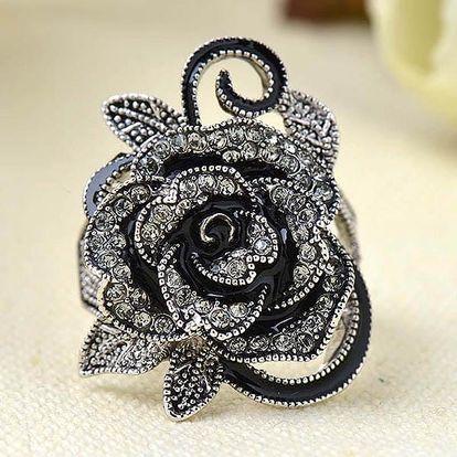 Honosný retro prsten ve tvaru růže