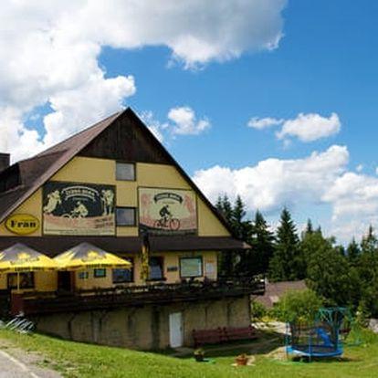 Víkend na lyžích v Kysuckých Beskydech s ubytováním v horském Hotelu Fran + 1 dítě do 10 let zdarma včetně stravy