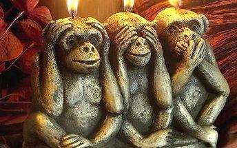 Nápaditá svíčka ve tvaru tří opic. Netradiční interiérová dekorace.