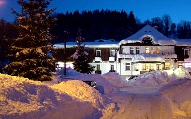 Relaxační pobyt s polopenzí pro dva v Hotelu PROM*** v Krkonoších se špičkovými skiareály na dosah a platností až do 30. 4. 2017