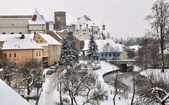 Romantika u zámku Jindřichův Hradec na 3-4 dny pro dva s polopenzí a projížďkou na loďce