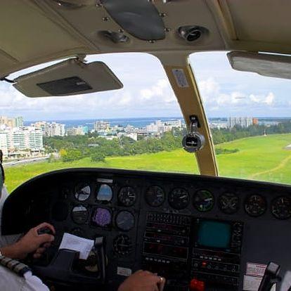 Exkluzivní řízení letadla na zkoušku v Karlovarském kraji