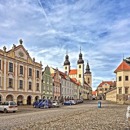 Romantika v Telči (UNESCO) pro DVA s ubytováním přímo na náměstí, polopenzí a vínem