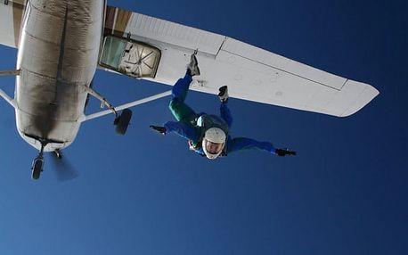 Základní parašutistický výcvik v Libereckém kraji