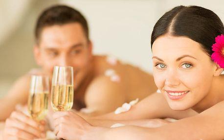 Romantická masáž pro dva se zábalem a sektem