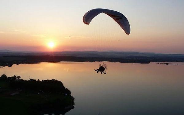 Motorový paragliding v Královehradeckém kraji