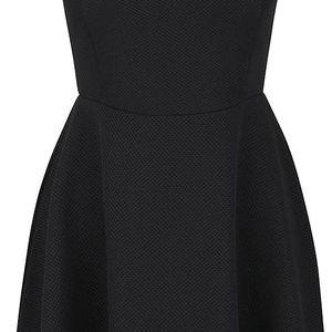 Černé šaty s průstřihy na ramenou SisterS Point Sten
