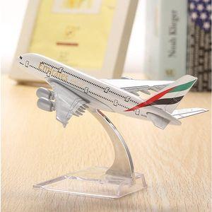 Model letadla - A380 Emirates