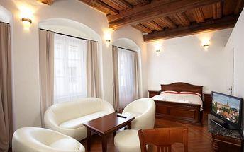 Český Krumlov na 3 dny pro 2 nebo 4 osoby: ubytování v 4* apartmánu + snídaně či polopenze