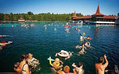Hévíz - neomezený wellness pobyt až pro čtyři u známého termálního jezera