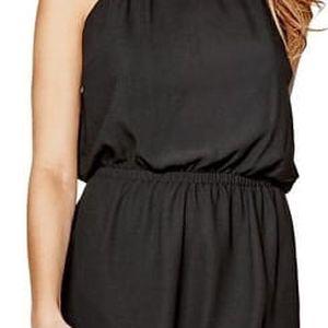 Guess Dámské černé šaty Kaiya Flounce Dress L