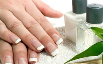 Modeláž gelových nehtů v Praze v salonu Beauty