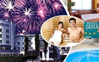 Silvestrovský pobyt pro 2 osoby na 2 nebo 3 noci v hotelu Jana****.Bohatá polopenze, silvestrovská večeře s programem, živou hudbou i ohňostrojem, denní vstup do luxusního hotelového wellness - pára, sauny, Whirlpool, vodní jeskyně, sluneční louka, Kneip