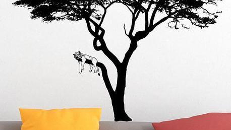 Samolepka na zeď - Lev na stromě