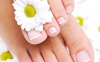 Hýčkání ve studiu Bona Dea. 6hod. péče o nehty, vlasy, pleť + lymfodrenáž a masáž