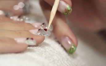 Manikúra s P-Shine s masáží rukou či levandulová, třezalková nebo eukalyptová masáž šíje