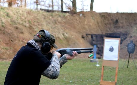 Střelba na venkovní střelnici v Jihočeském kraji