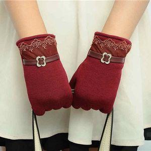 Dámské rukavice na dotykový telefon v elegantním designu