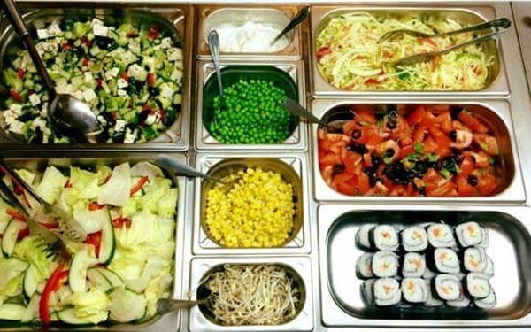 50% sleva na pokrmy z veganského bufetu v restauraci Mr. Hau. Snězte, co se vejde na talíř.2
