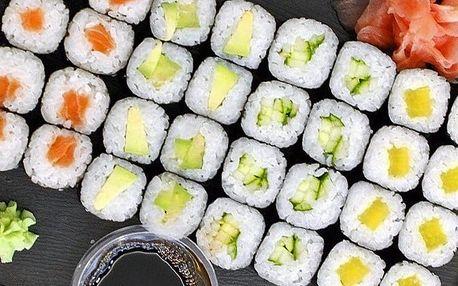 Pestré sushi sety v Anawa Running Sushi