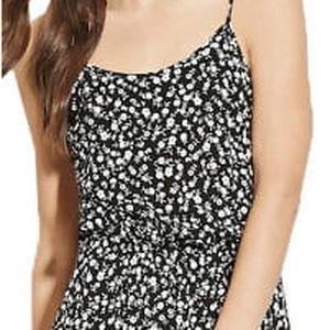 Forever 21 Dámské šaty Floral Babydoll Dress-černá/bílá L