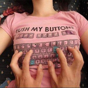 Dámské bílé triko - Push My Buttons