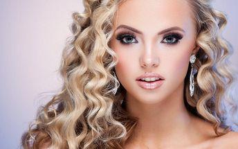 Plesový či slavnostní účes včetně make-upu