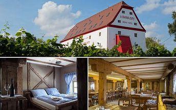Romantický pobyt ve vinařském kraji s ubytováním ve stylové Krčmě a hotelu U Císařské cesty