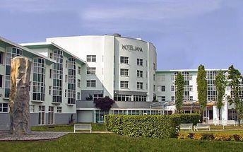 Hotel Jana**** s neomezeným vstupem do špičkového wellness centra, gurmánskou polopenzí, bowlingem a billiardem pro 2 osoby