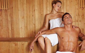 Wellness a masáž na vlnách Vltavy pro 2 pohodáře