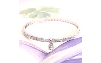 Fashion Icon Náramek rhodiovaný se zámkem se zirkony zirkon zirkon elegantní s kamínkem hranaté 0512